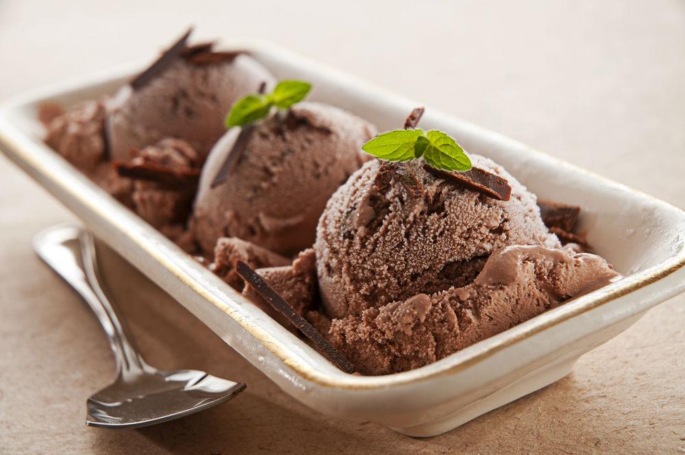 Schokoladeneis selber machen – In wenigen Schritten zum perfekten Schokoladeneis!